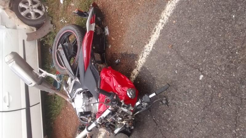 Acidente entre carro e moto deixa dois mortos na estrada Picos Bocaina 1f31bc1a63cb6